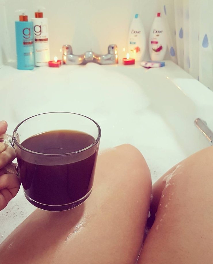 Bathtime with coffee - thelastpaige