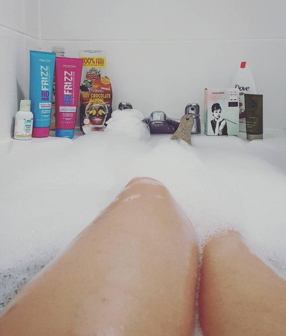 Bathtime - thelastpaige